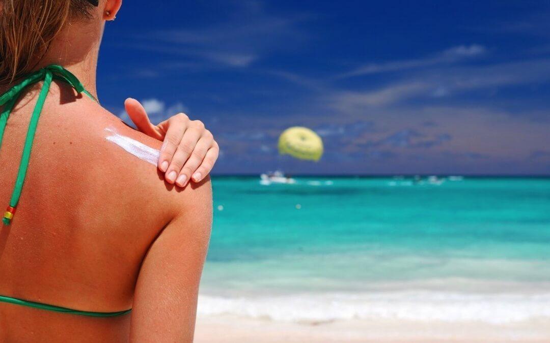 Proteggi la tua pelle dai raggi solari (i giusti consigli)